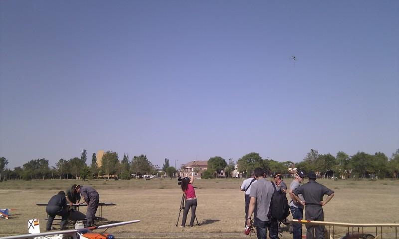 Está viendo las imágenes del artículo: Exhibición de Aeromodelismo - Fuerzas Armadas 2012