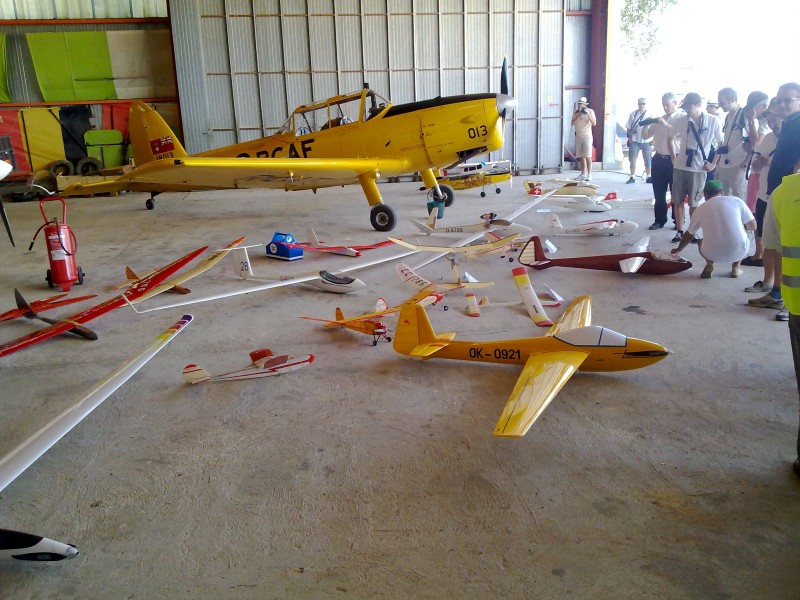 Está viendo las imágenes del artículo: Reportaje VI Encuentro de Planeadores Antiguos